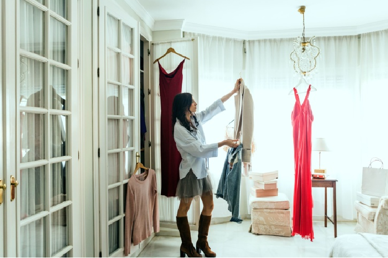 Combinatii de culori la haine: cum functioneaza asortarea...