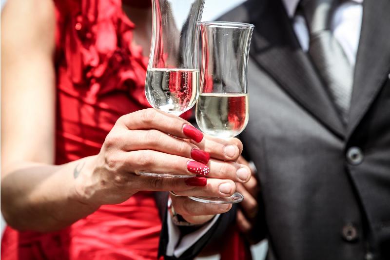 Aniversarea casatoriei: 6 tinute care te pun in valoare