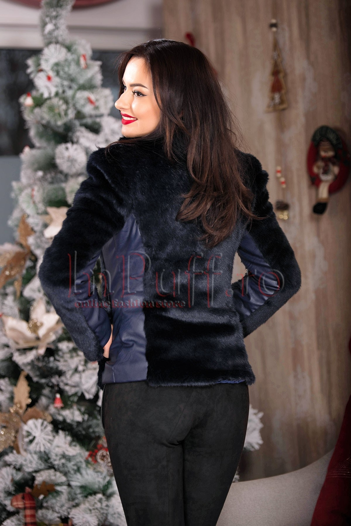 Jacheta scurta din blana artificiala bleumarin si detalii din piele ecologica