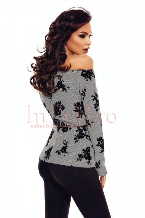 Bluza eleganta pe umeri cu detalii din catifea