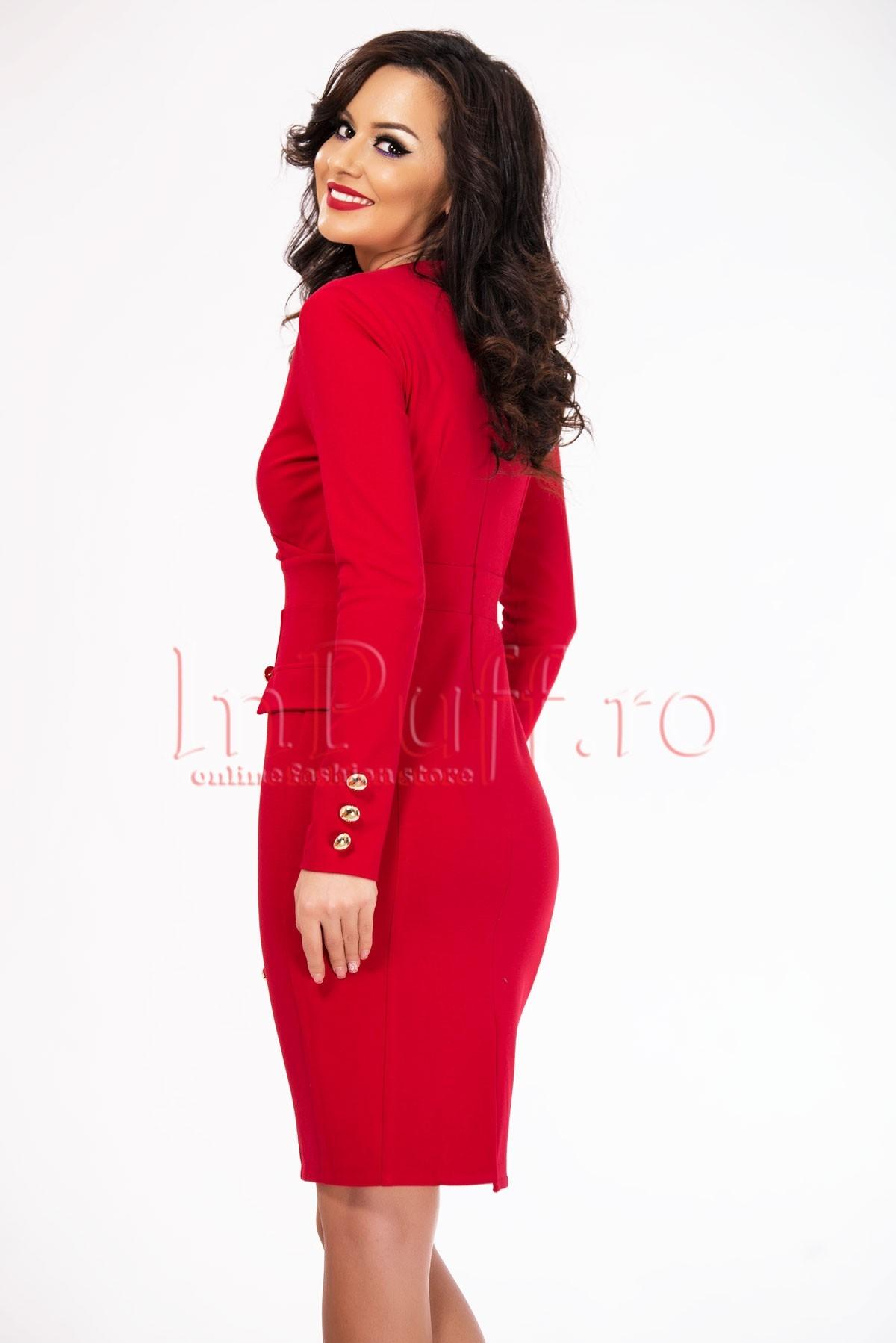 Rochie eleganta rosie accesorizata cu nasturi aurii