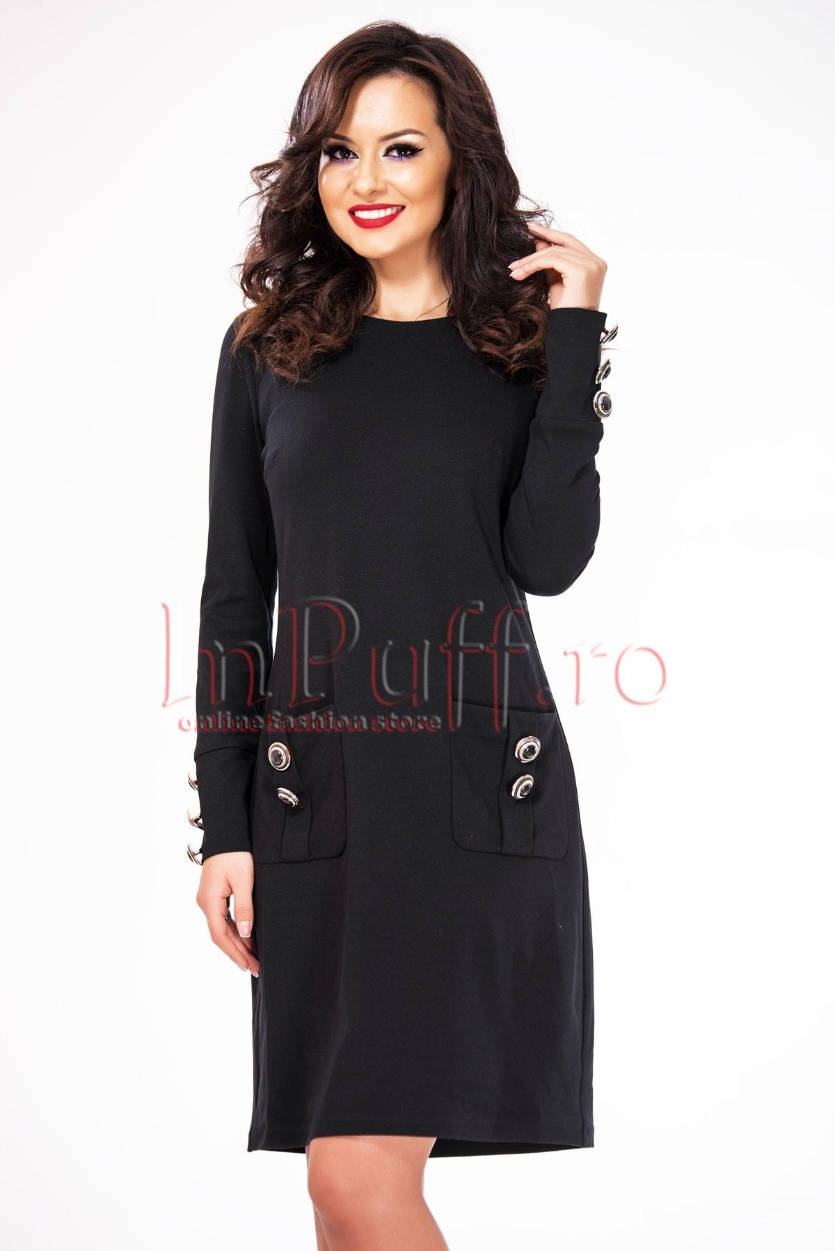 Rochie lejera neagra accesorizata cu nasturi