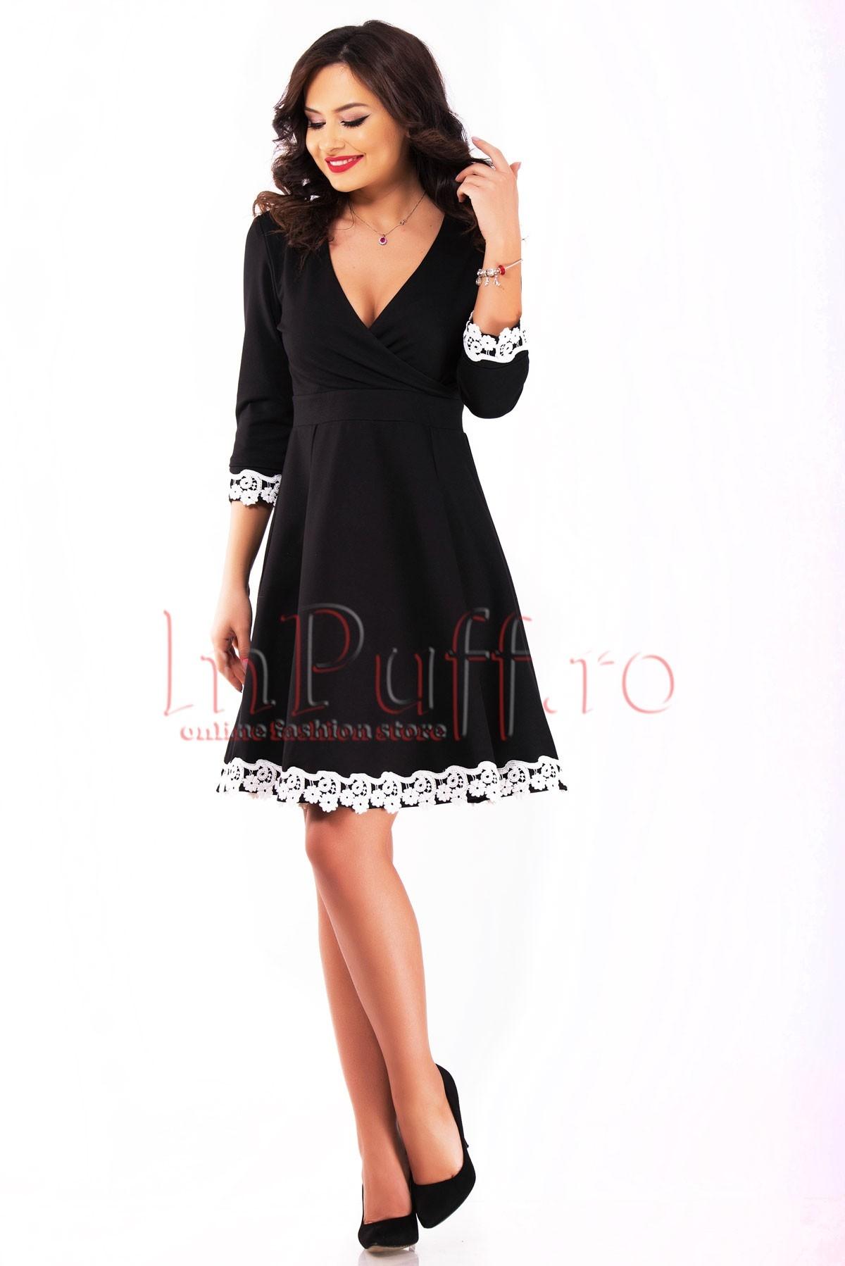 Rochie eleganta neagra accesorizata cu broderie alba