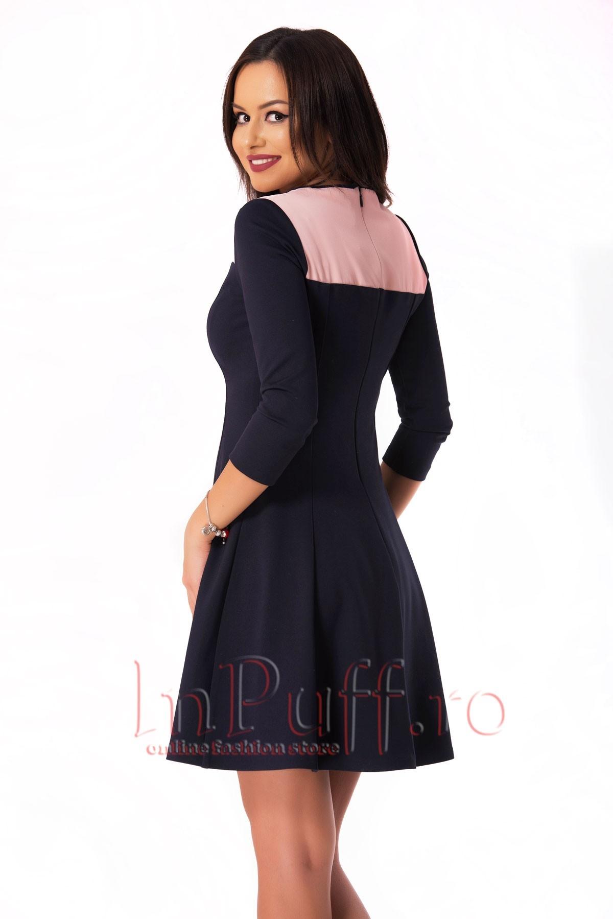 Rochie de zi bleumarin cu detaliu roz si fundita la gat