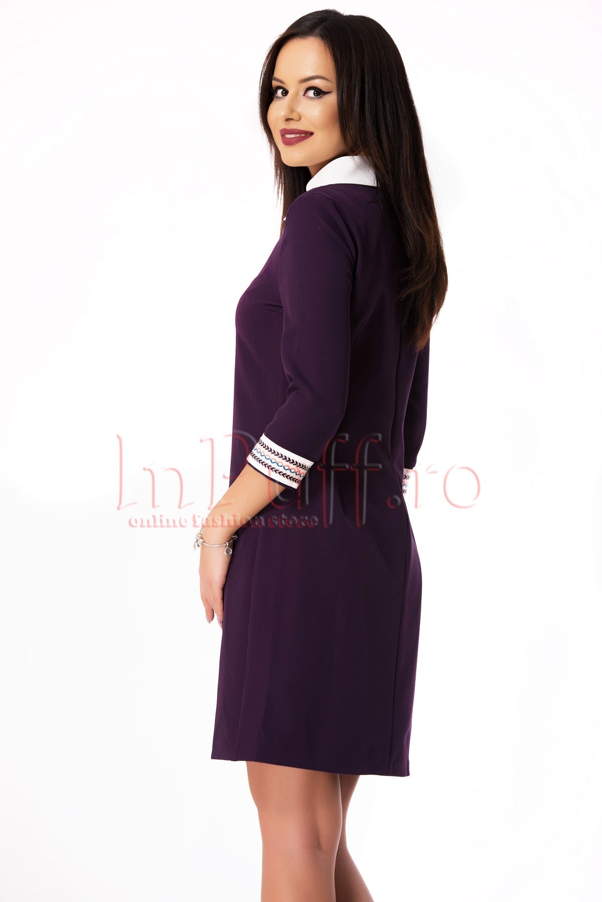Rochie eleganta mov accesorizata cu broderie colorata