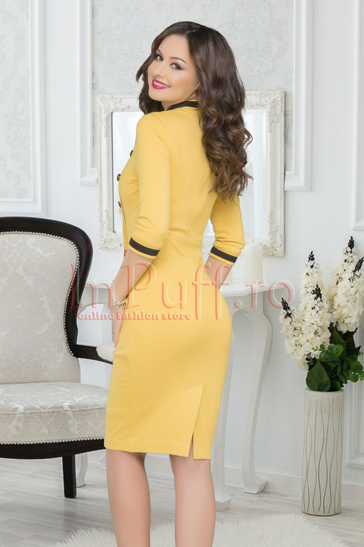 Rochie casual galbena accesorizata cu nasturi