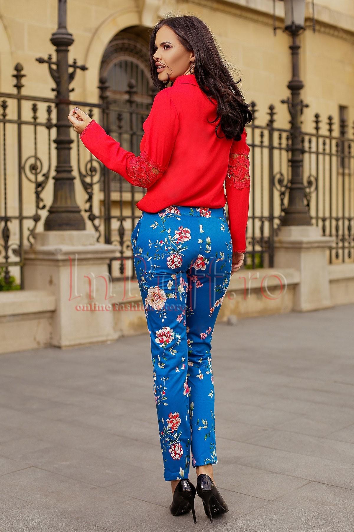 Pantaloni albastri dama cu imprimeu floral