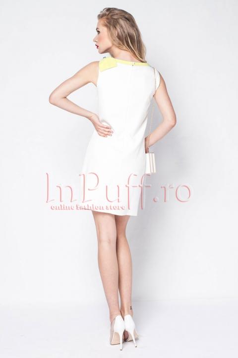 Rochie eleganta alba cu funda galbena pe umar