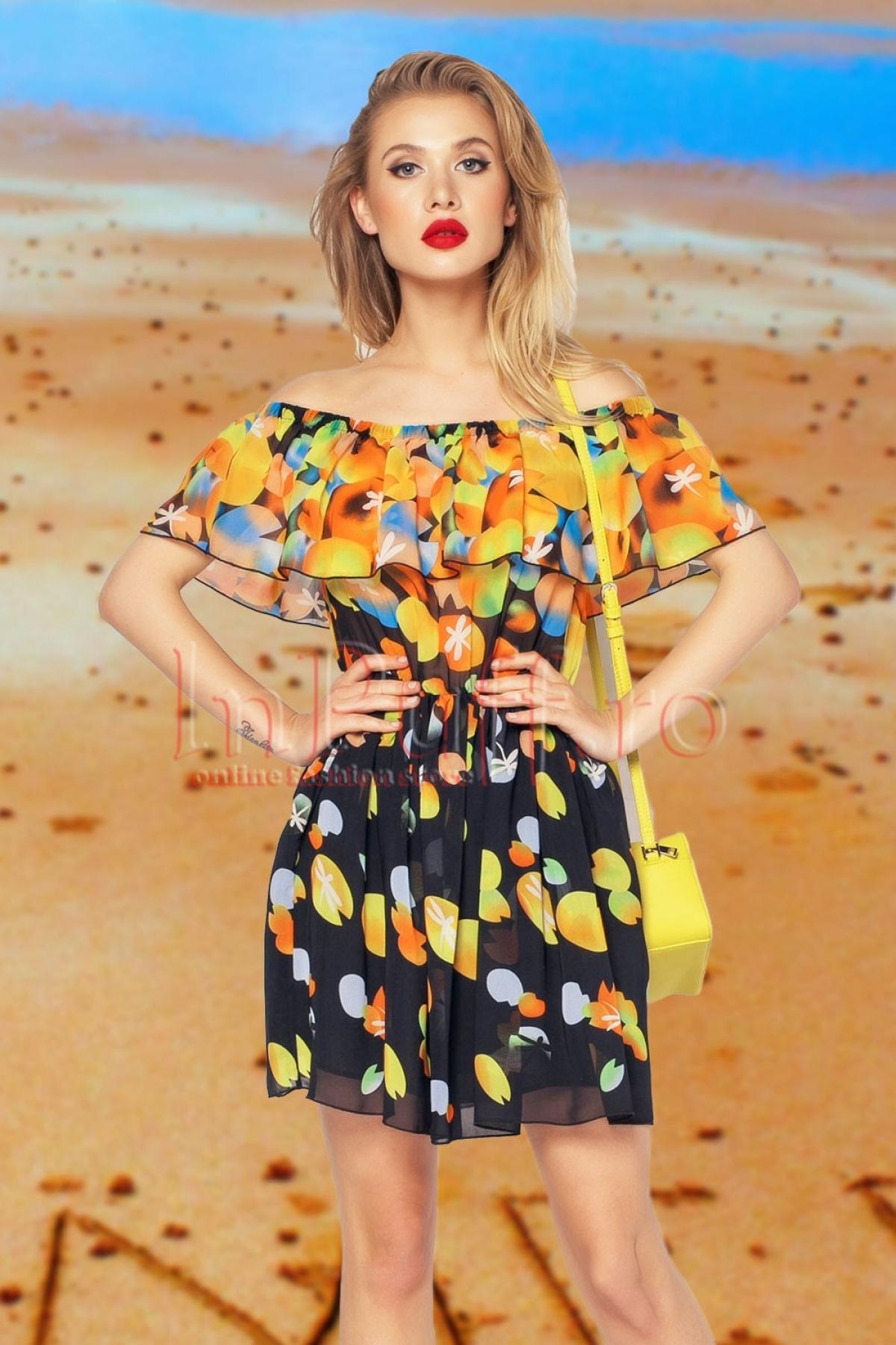 Rochie colorata din voal lasata pe umeri