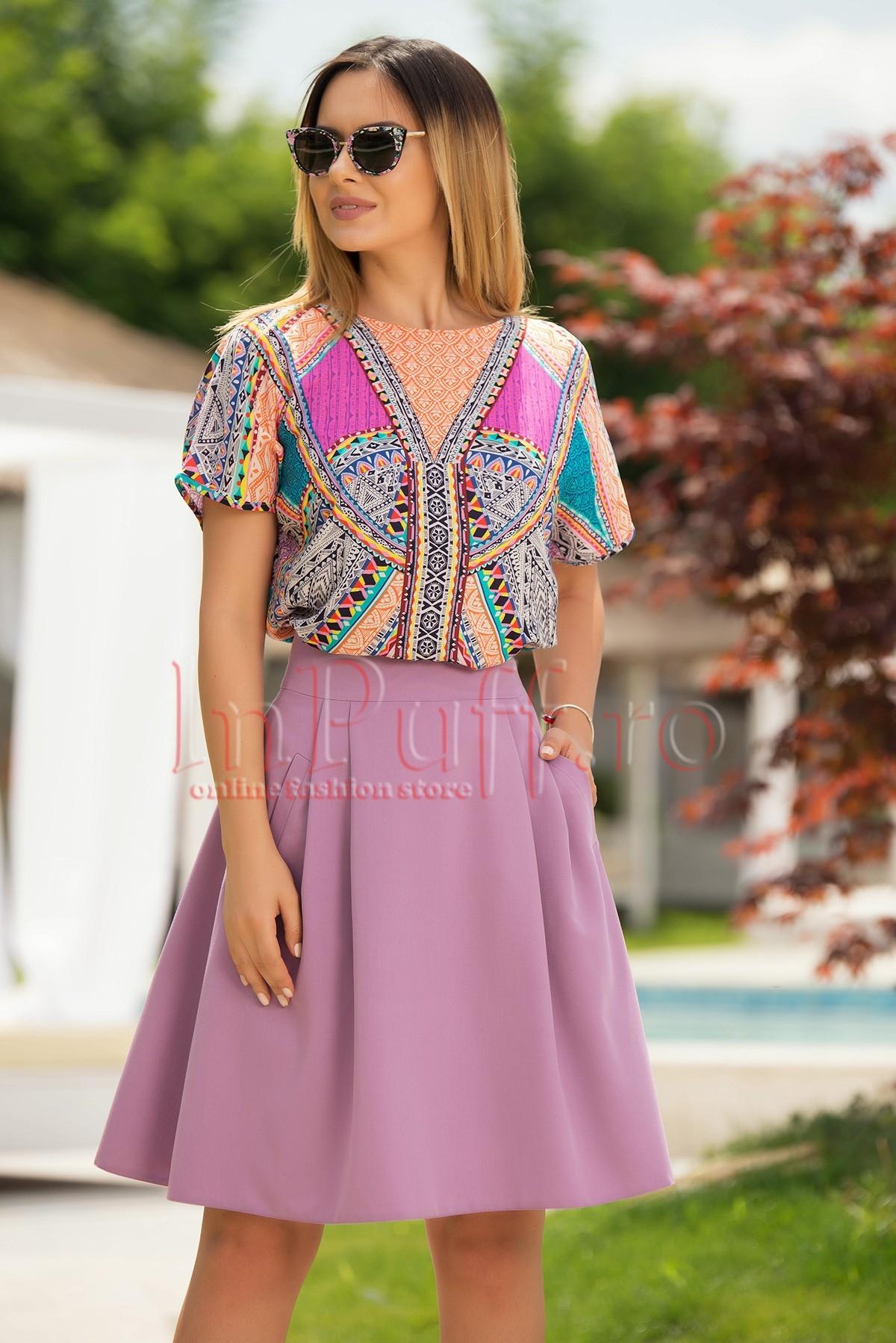 Bluza lejera cu imprimeu colorat