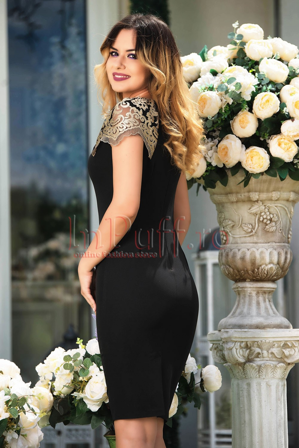 Rochie MBG eleganta neagra cu maneci din dantela aurie