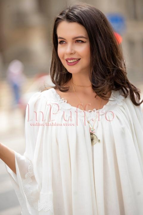 Rochie Pretty Girl scurta ivoire cu broderie si volane