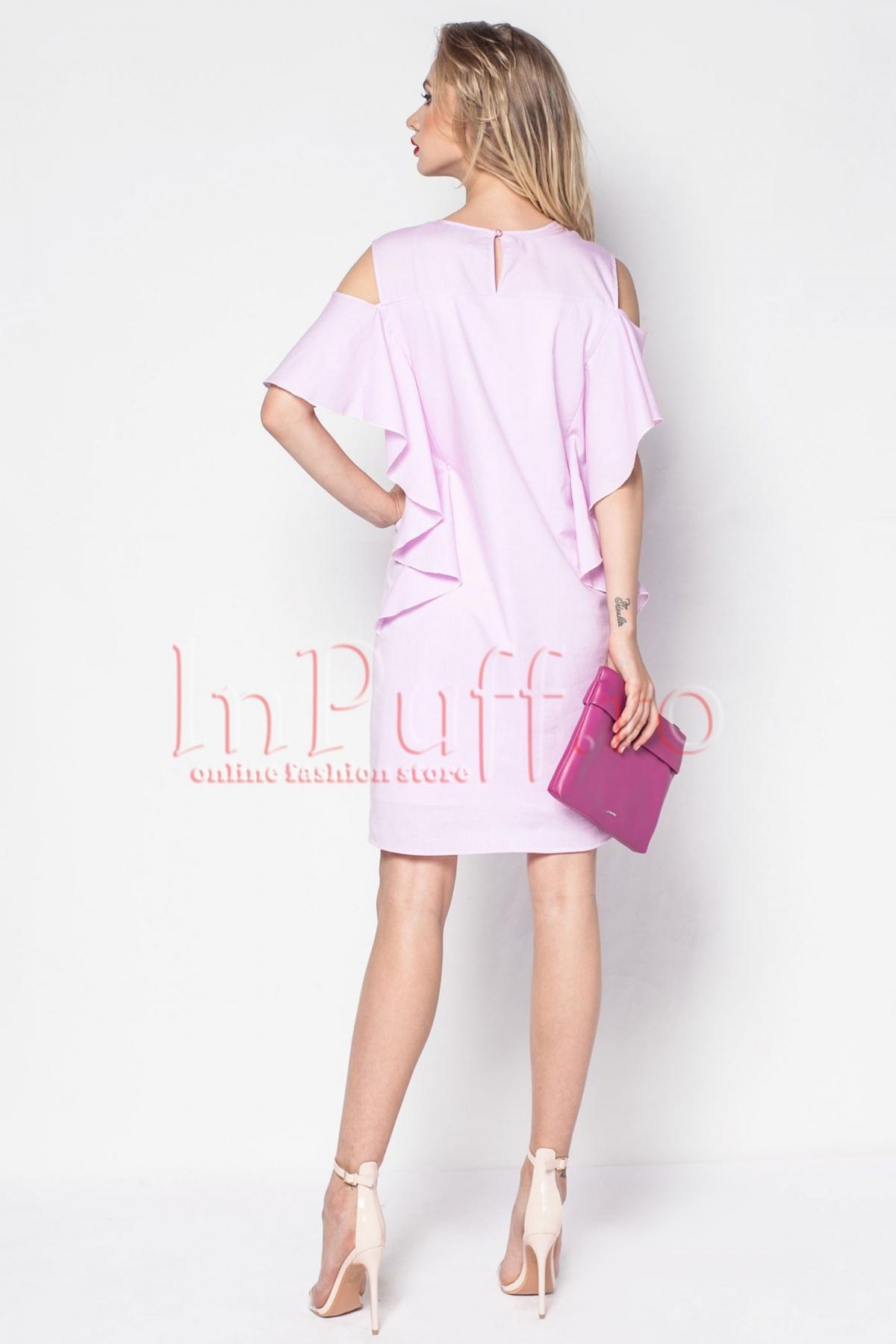 Rochie Pretty Girl eleganta roz cu umerii decupati