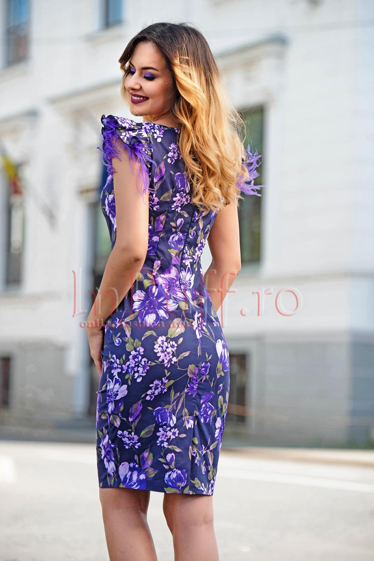 Rochie eleganta midi mov cu imprimeu floral si pene