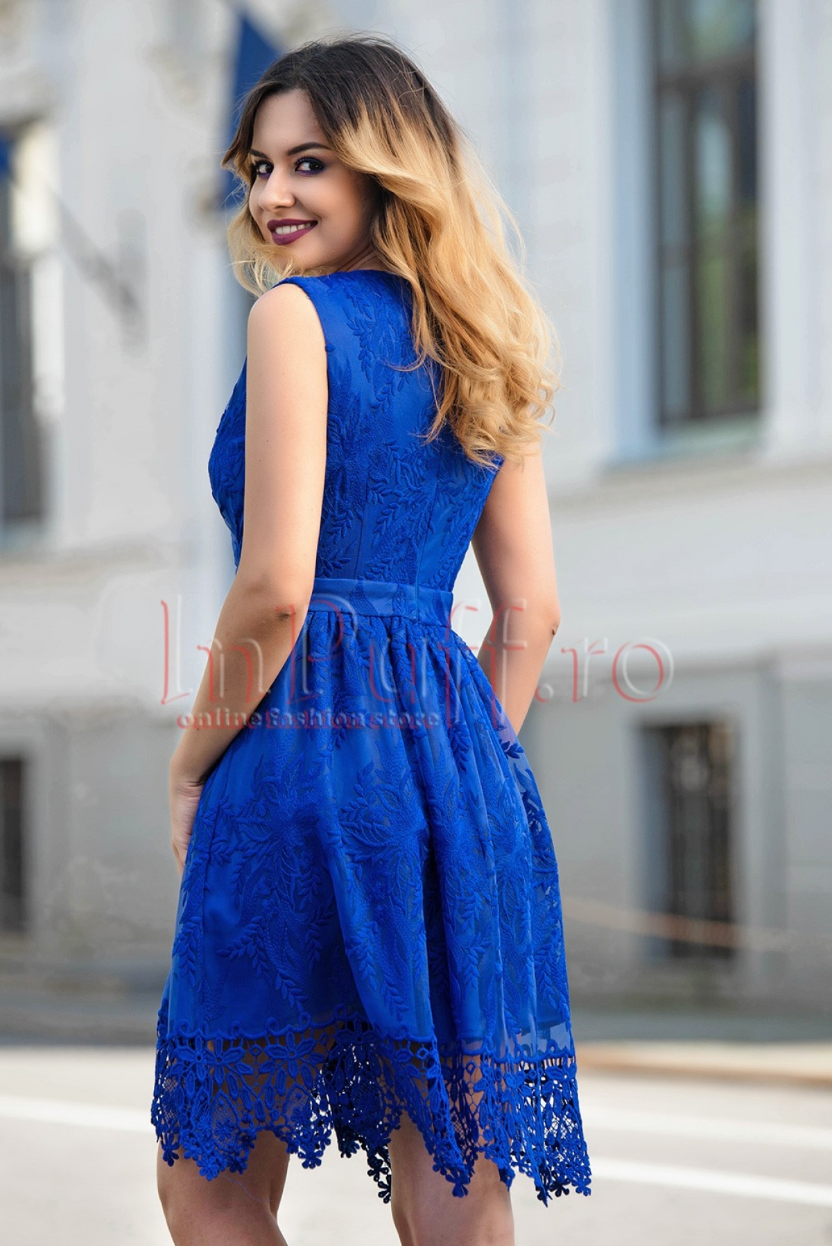 Rochie MBG albastra de ocazie accesorizata cu dantela