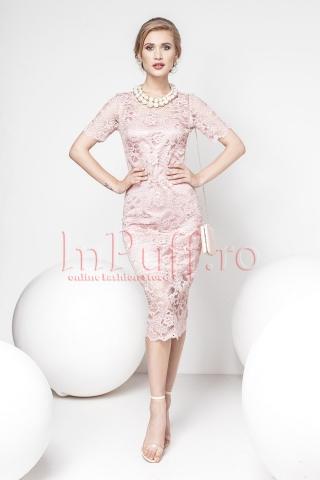 Rochie Pretty Girl midi din dantela roz pudra
