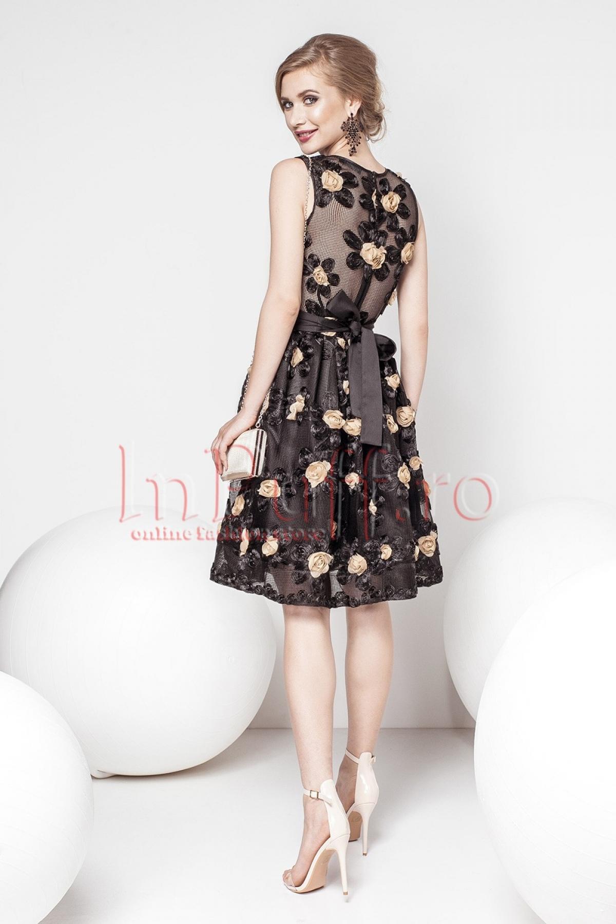 Rochie Pretty Girl de ocazie midi neagra cu flori 3D