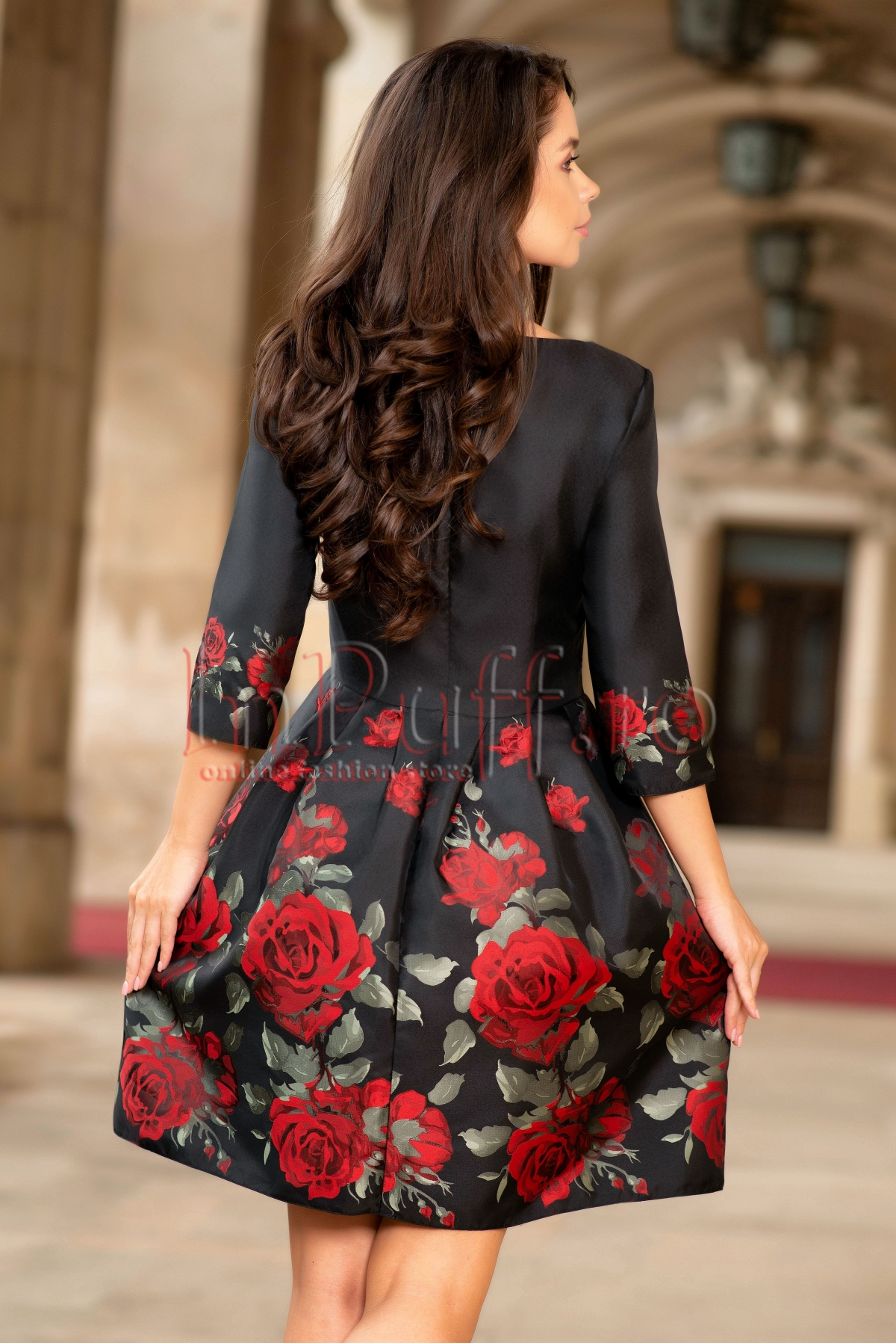 Rochie Pretty eleganta din tafta neagra cu flori mari rosii