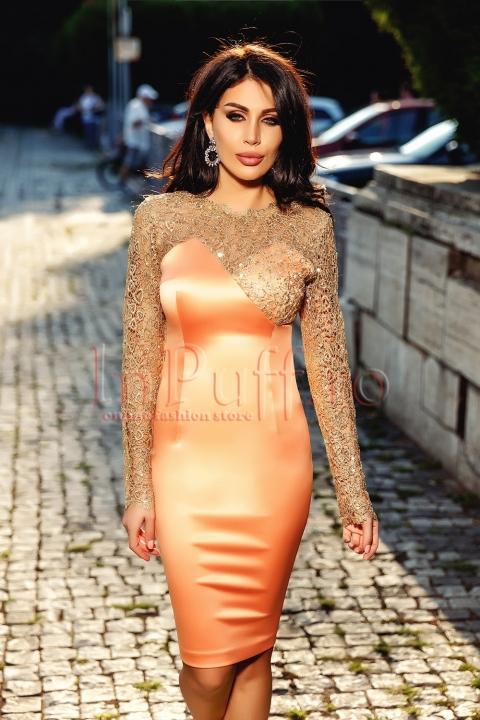 Rochie portocalie cu bust si maneci aurii brodate
