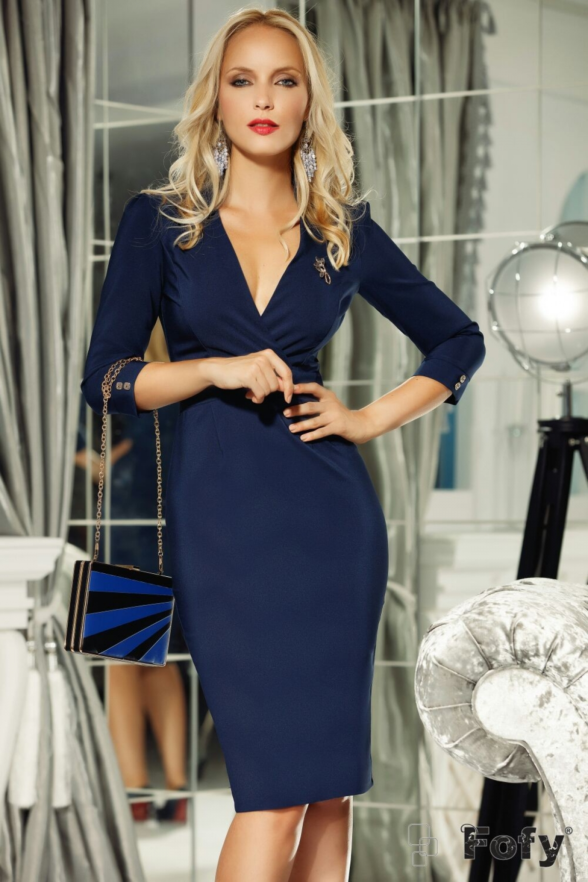 Rochie de seara conica bleumarin accesorizata