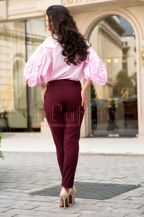 Pantaloni cu talie inalta accesoirizati cu nasturi aurii