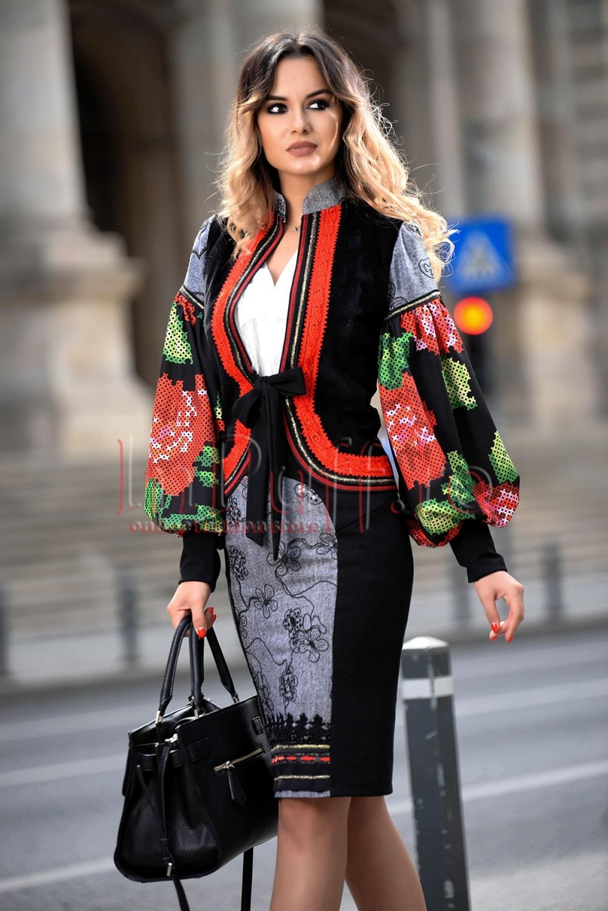 Jacheta din velur cu imprimeu traditional