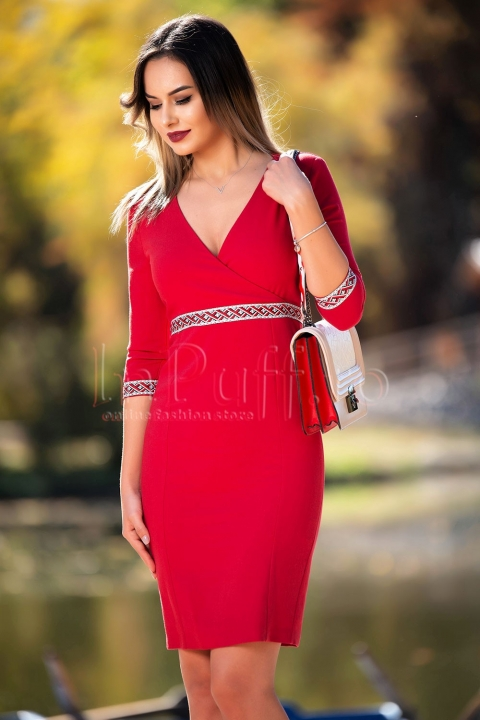 Rochie conica rosie cu decolteu in V