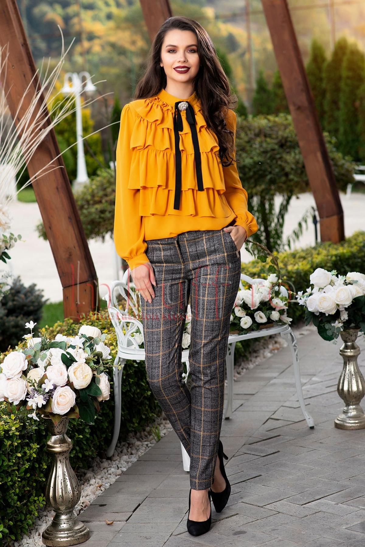 Pantaloni carouri eleganti gri