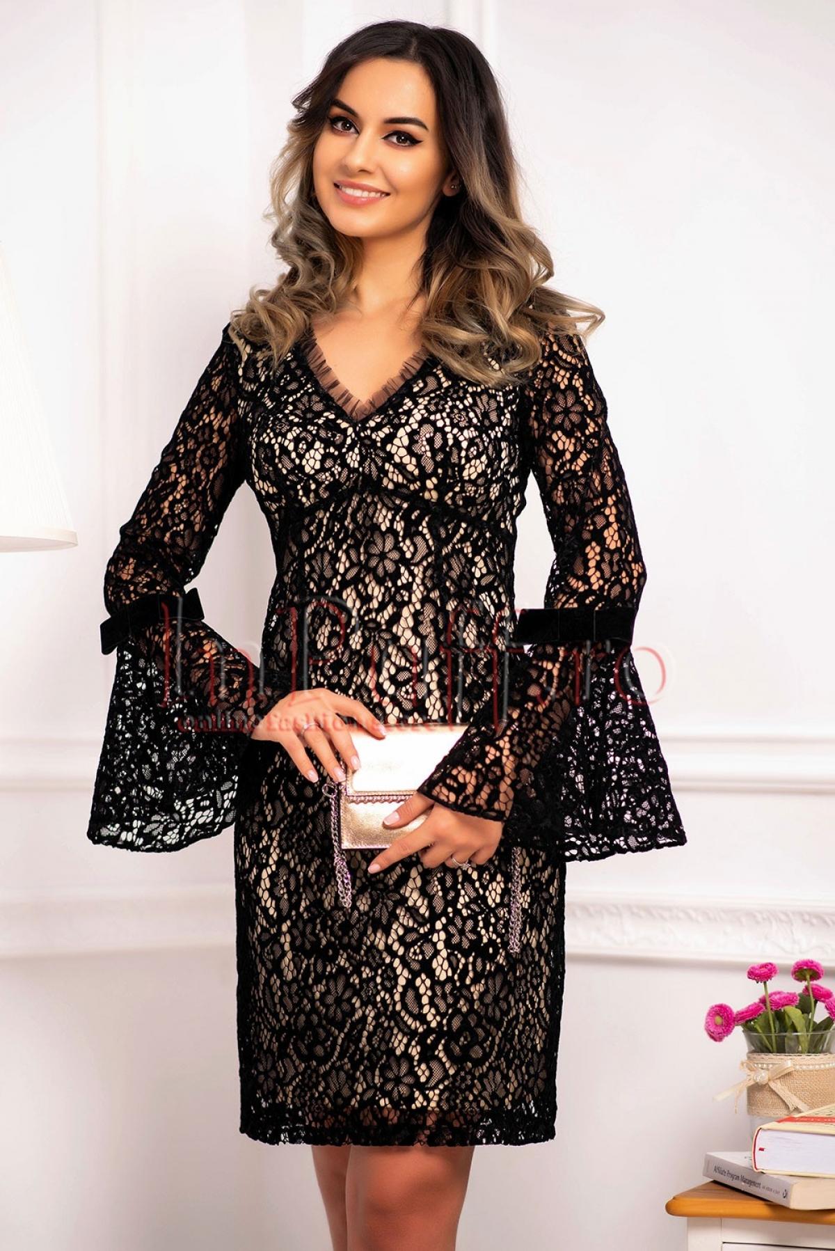 Rochie conica eleganta de seara din catifea cu maneca clopot Xara