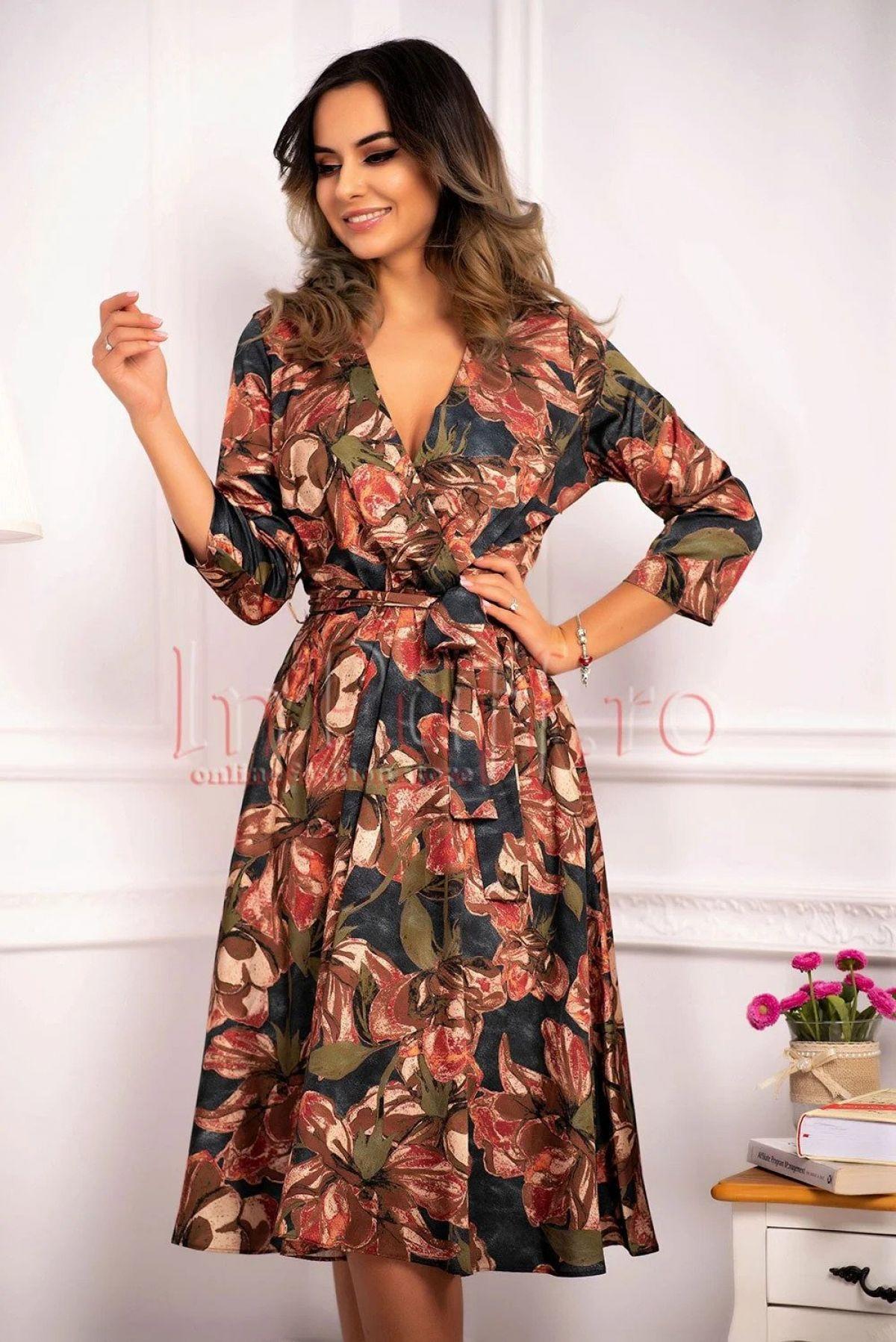 Rochie eleganta de zi din stofa satinata cu decolteu petrecut
