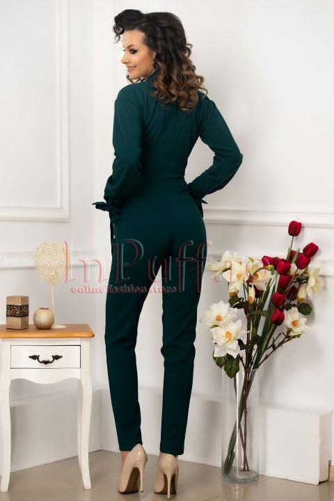 Salopeta eleganta verde Pretty Girl din stofa cu decolteu petrecut