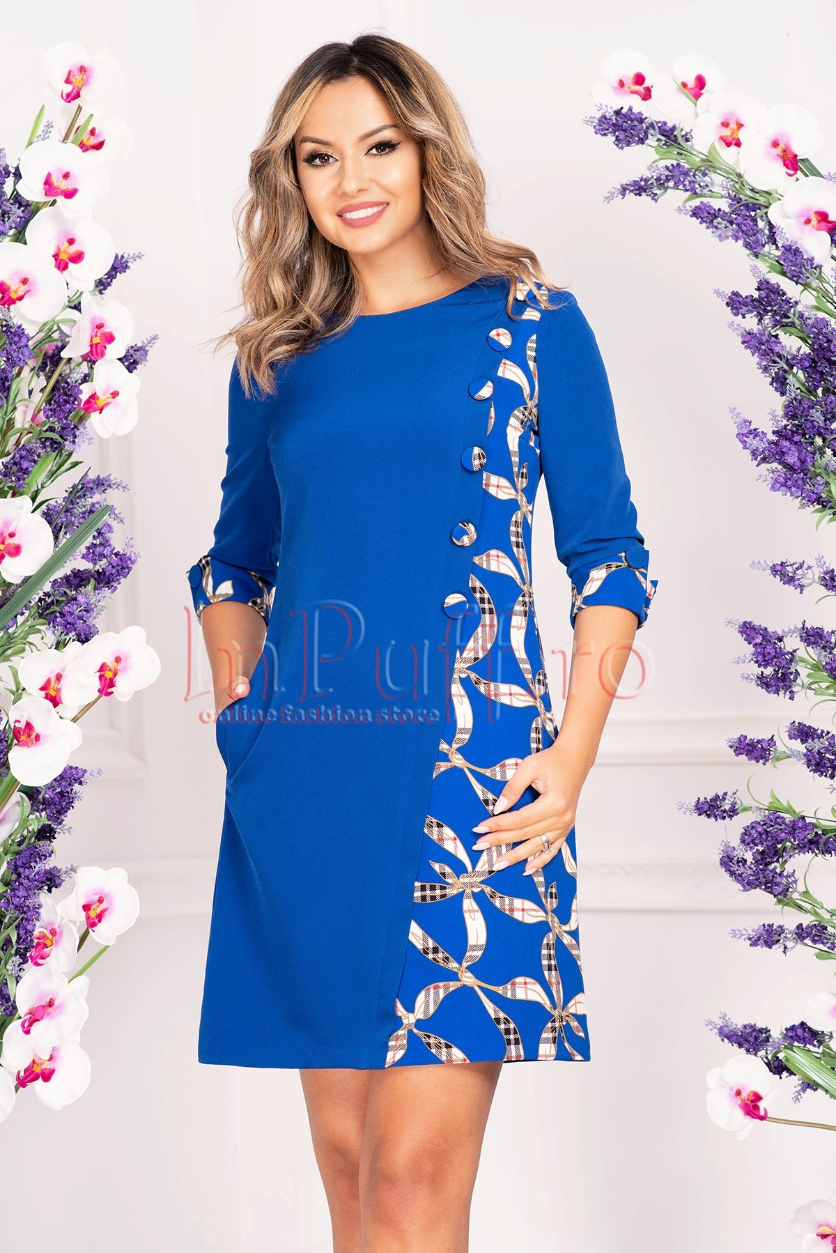 Rochie midi MBG albastra cu imprimeu si nasturi imbracati
