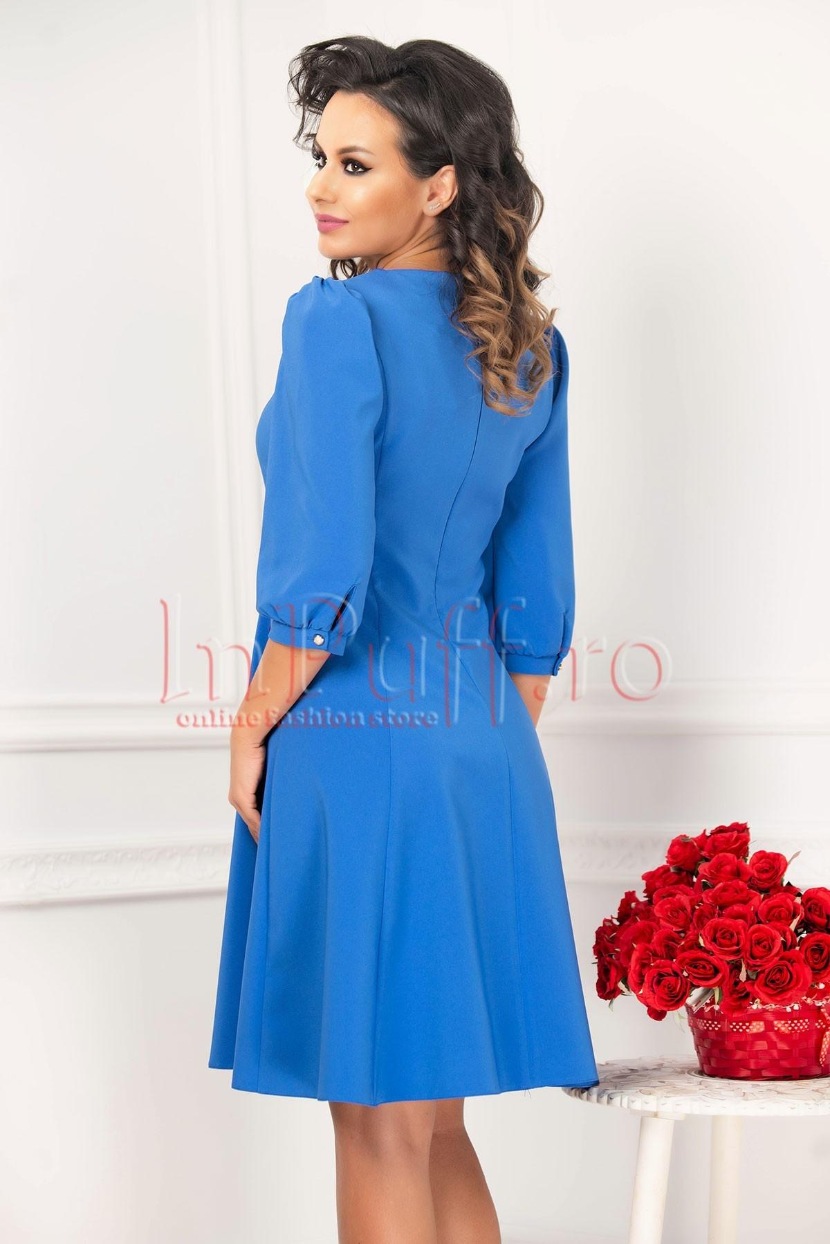 Rochie albastra cu maneci bufante si insertie florala