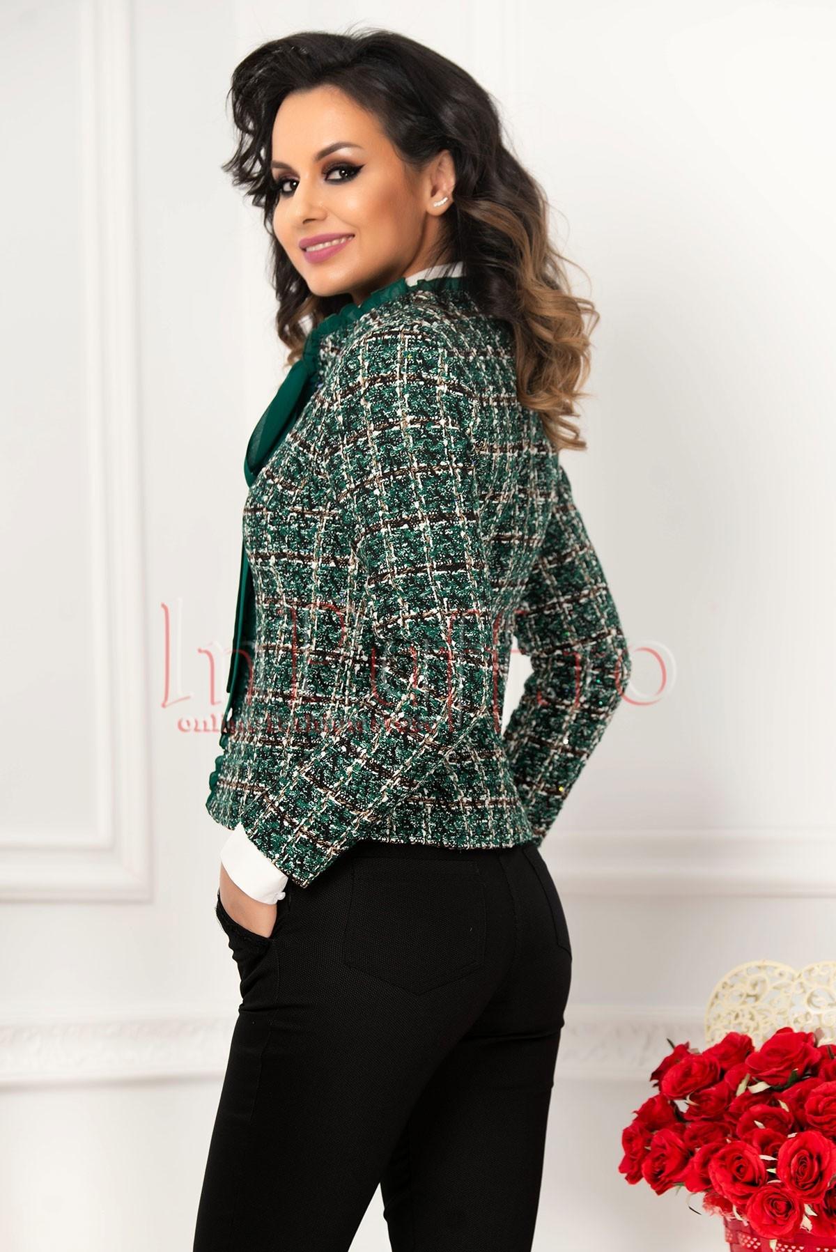 Jacheta bucle verde cu insertie din voal