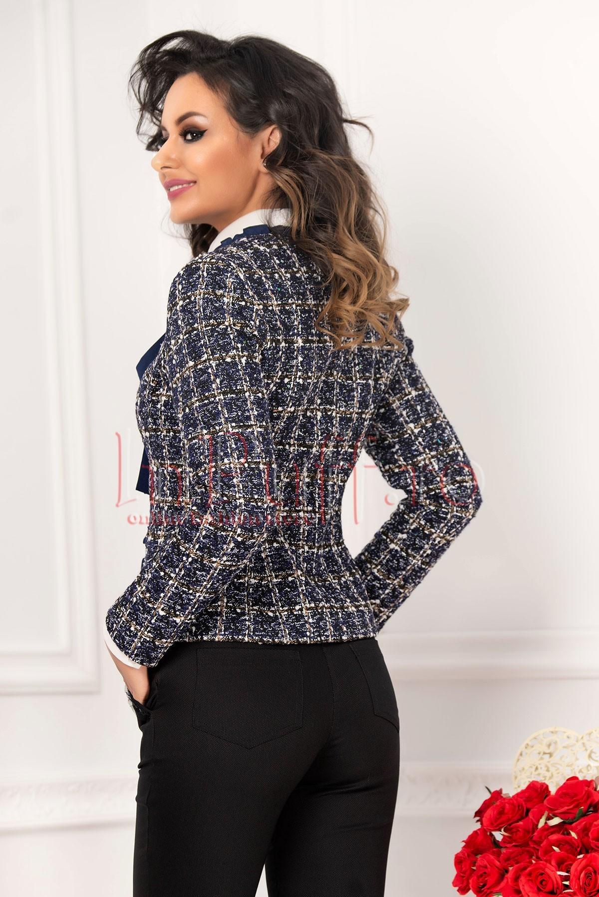 Jacheta bucle bleumarin cu insertie din voal