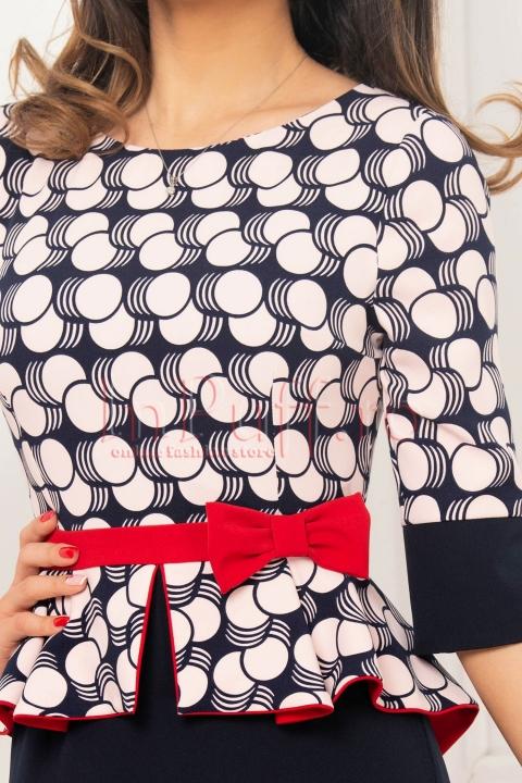 Rochie MBG bleumarin cu imprimeu bej si insertie rosie