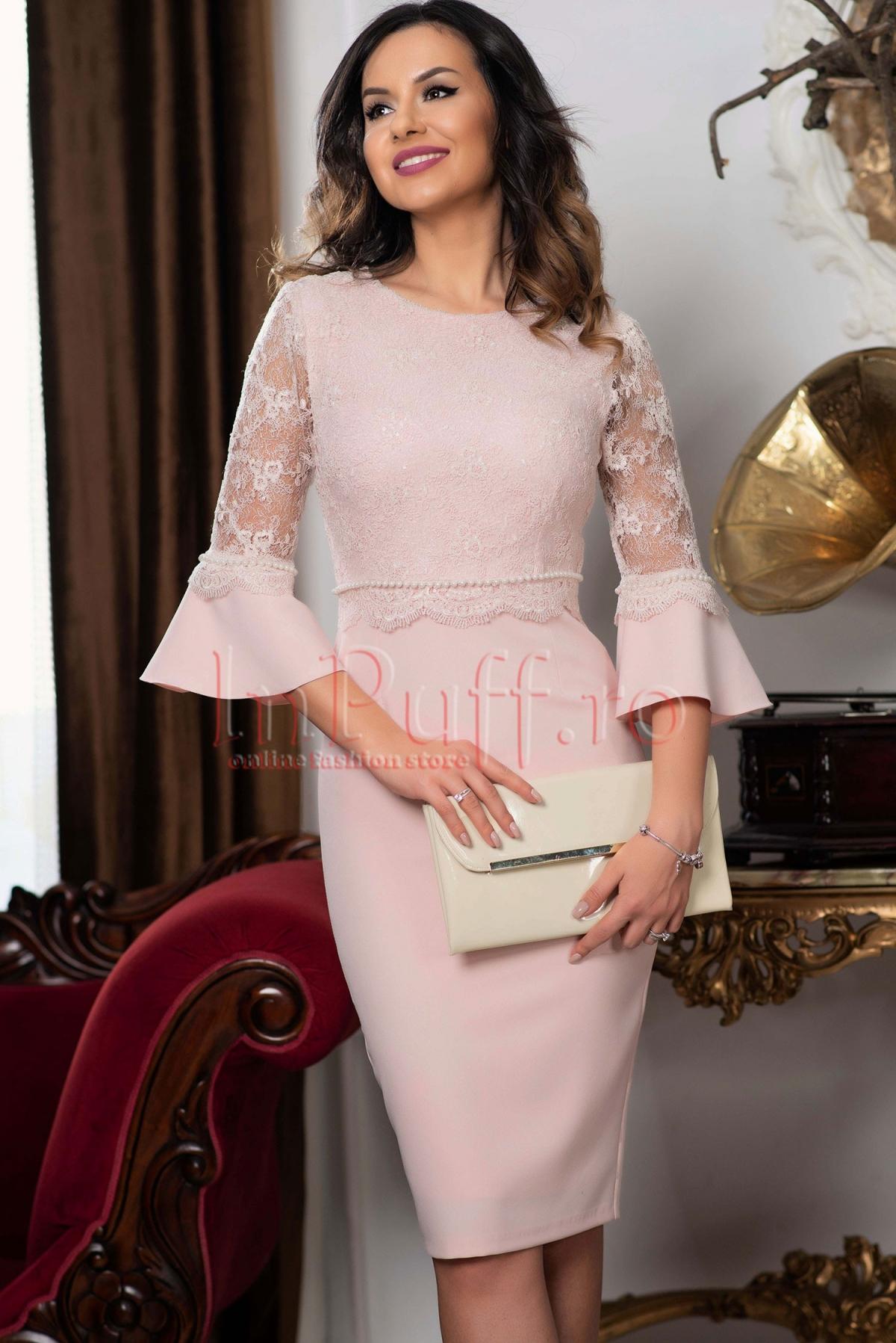 Rochie MBG roz pal cu broderie si perle aplicate