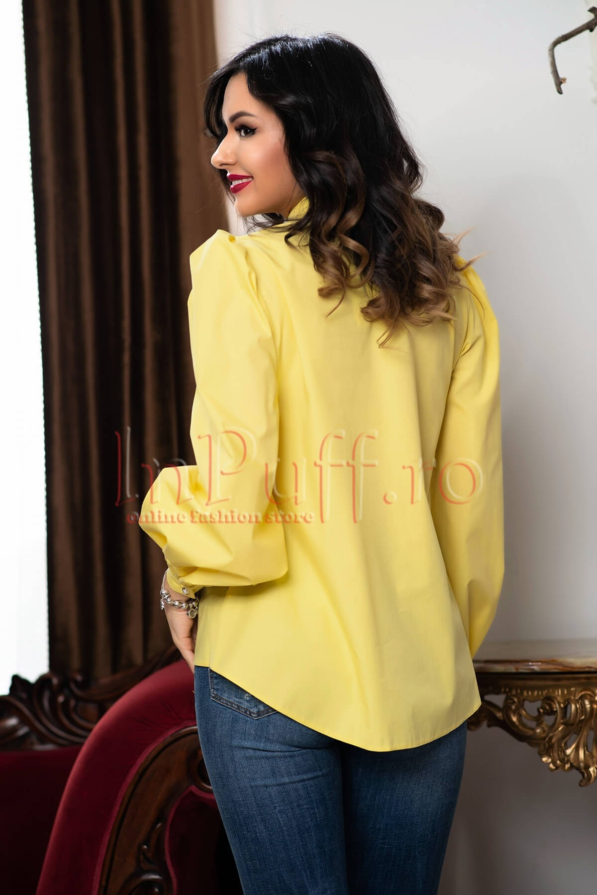 Bluza tip ie galbena cu motive traditionale