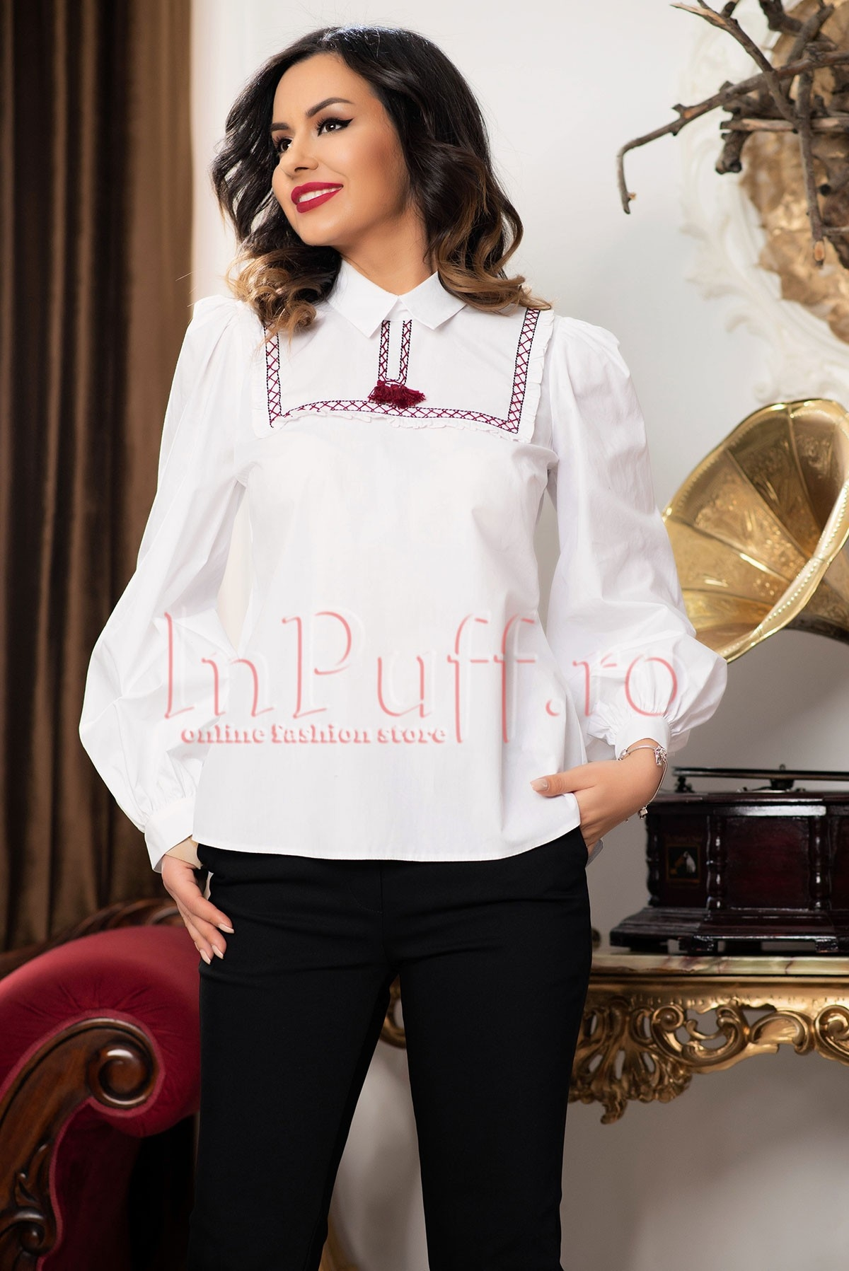 Bluza tip ie alba cu motive traditionale