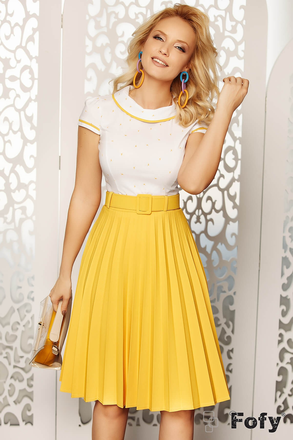 Bluza dama eleganta alba cu imprimeu flamingo galben si guler alb Fofy