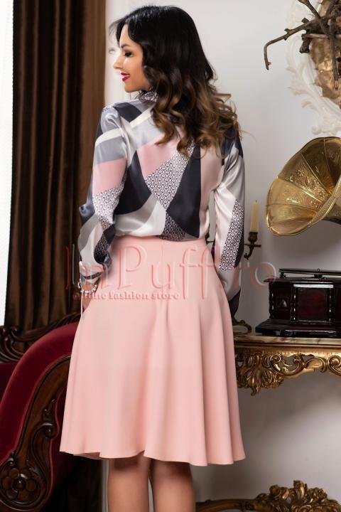 Fusta eleganta roz clos cu buzunare