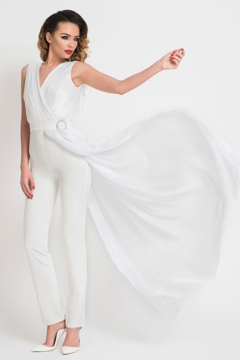 Salopeta alba eleganta cu decolteu petrecut din crep si fusta partiala din matase