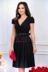 Rochie neagra midi plisata cu decolteu in V si curea in talie