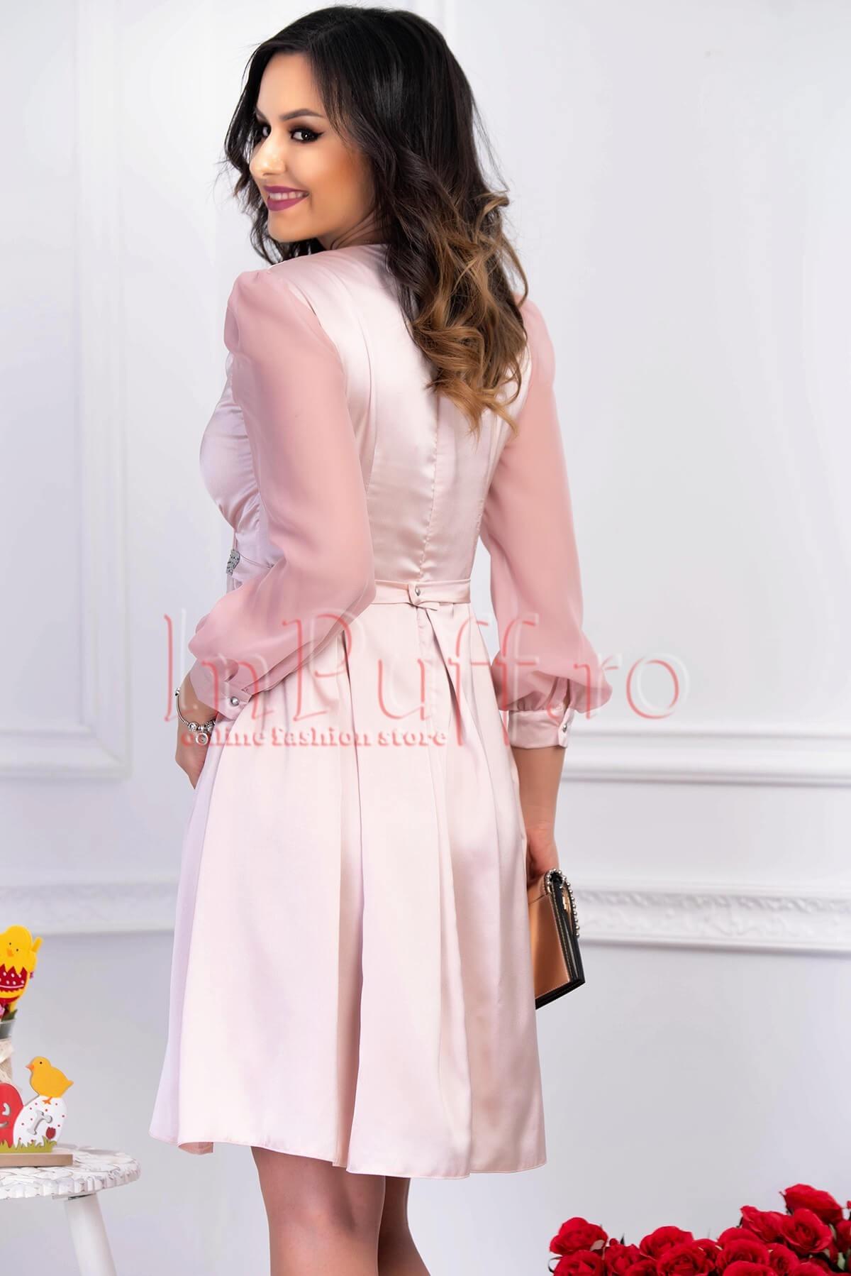 Rochie de seara roz pal plisata din satin cu maneca lunga din voal