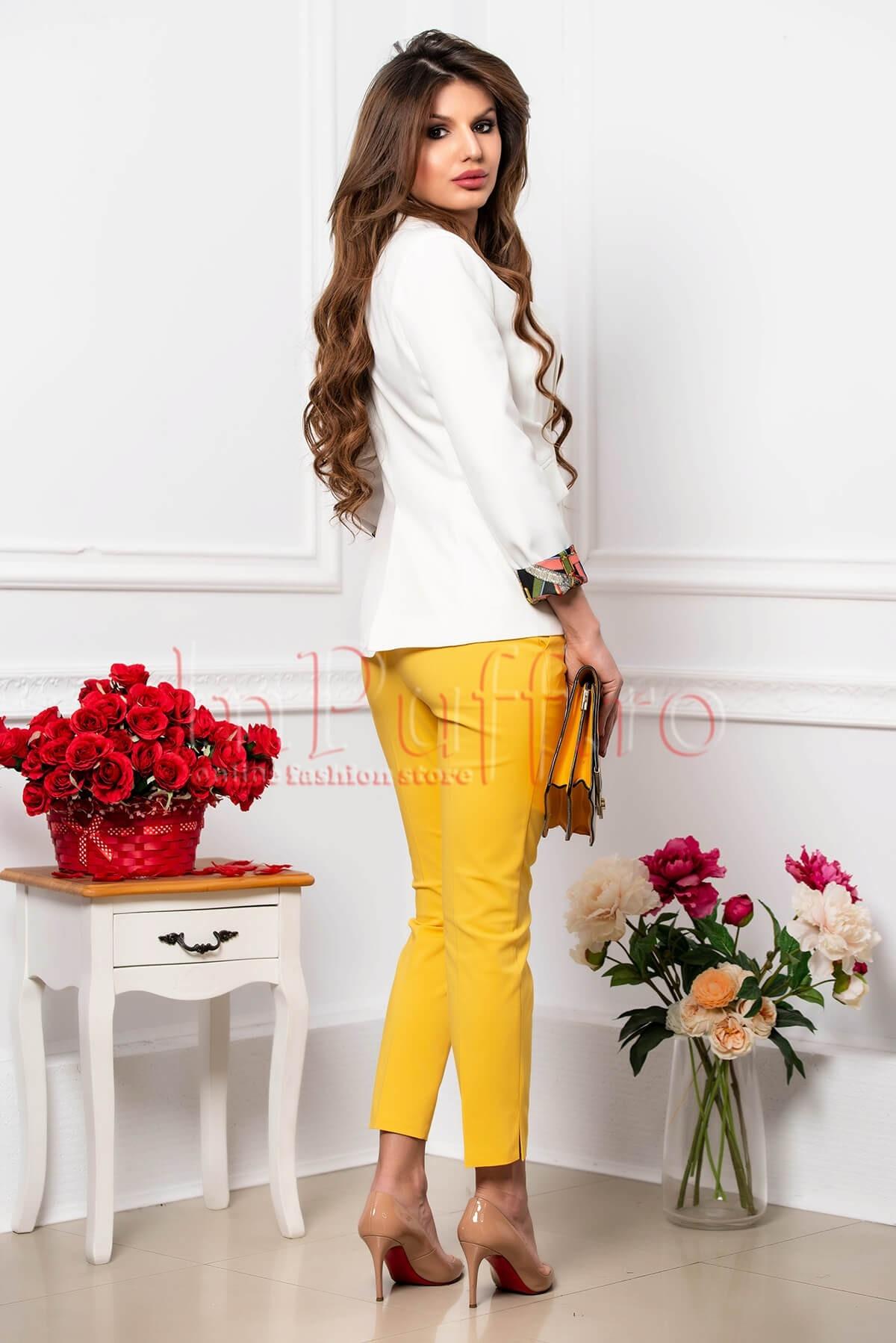 Pantalon elegant din tercot galben cu buzunare laterale functionale