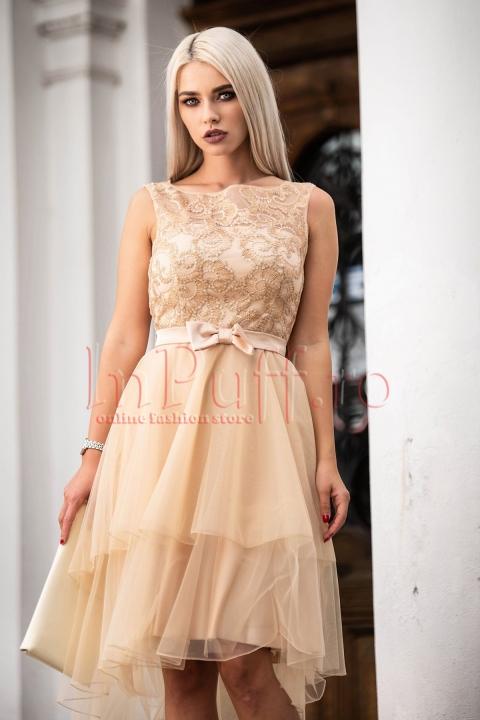 Rochie de lux nude beige cu fusta din tul asimetrica, funda si bust brodat