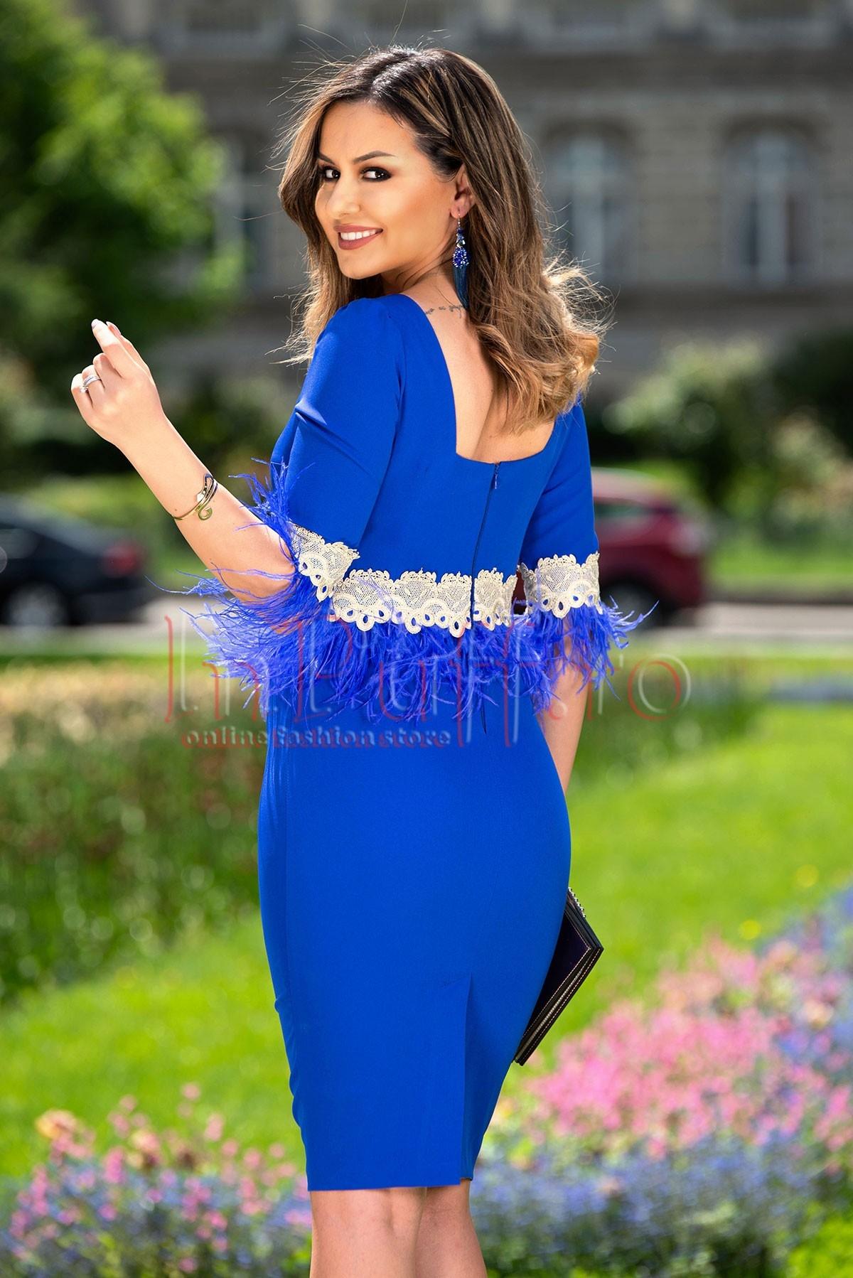 Rochie midi de ocazie albastra cu pene si broderie aurie