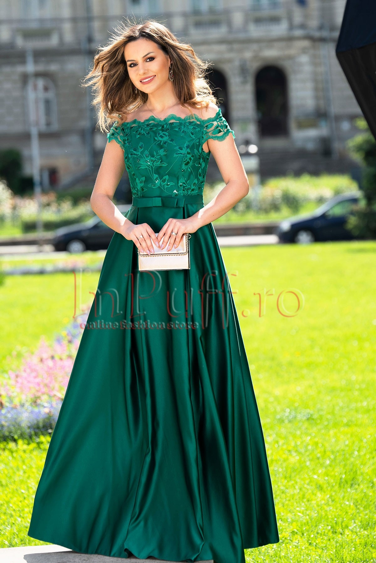 Rochie de seara lunga verde cu broderie pretioasa