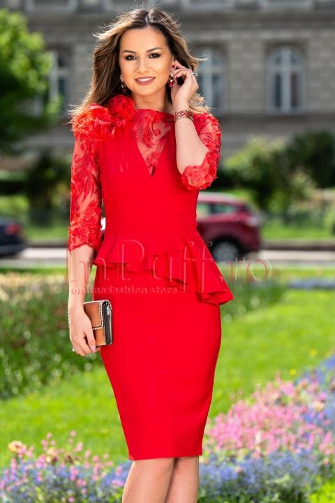 Rochie de ocazie rosie midi cu flori 3D si pene