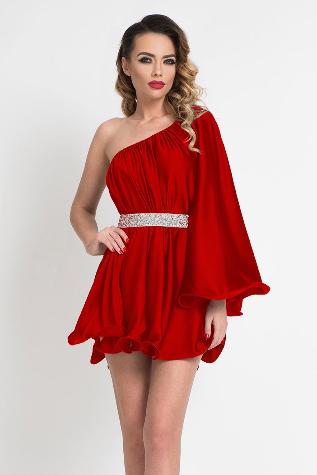 Rochie scurta de lux rosie cu maneca evazata aplicata